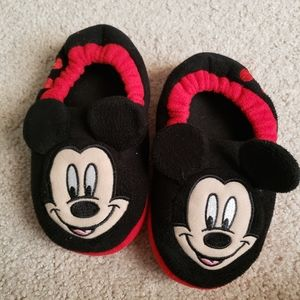 Mickey Mouse Slippers Toddler Size 11-12 EUC